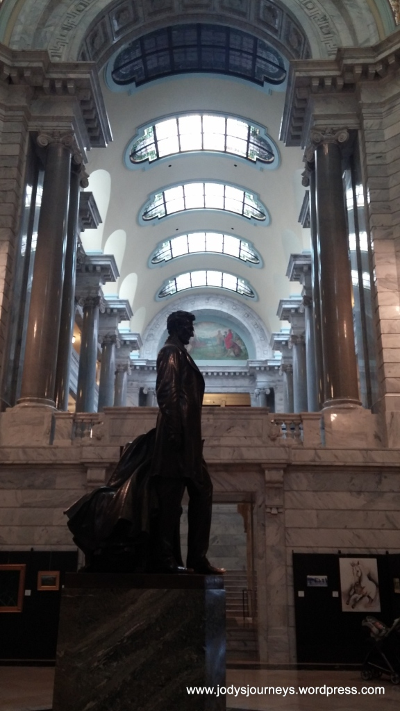 Statue and skylights inside Kentucky State Capitol